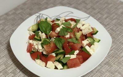 Salată cu brânză feta