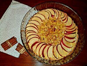 O gustare sănătoasă și cu puține calorii, potrivită pentru zile mohorâte - tartă cu mere fără zahăr!