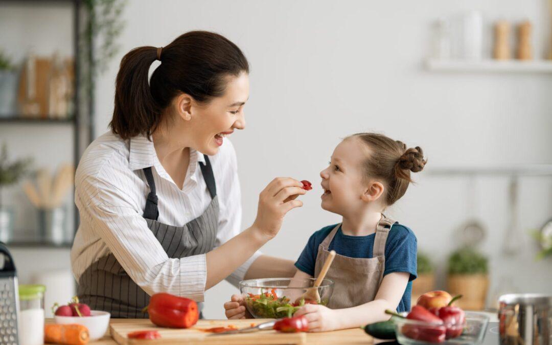 Cum Să Îți Determini Copilul Să Încerce Alimente Noi